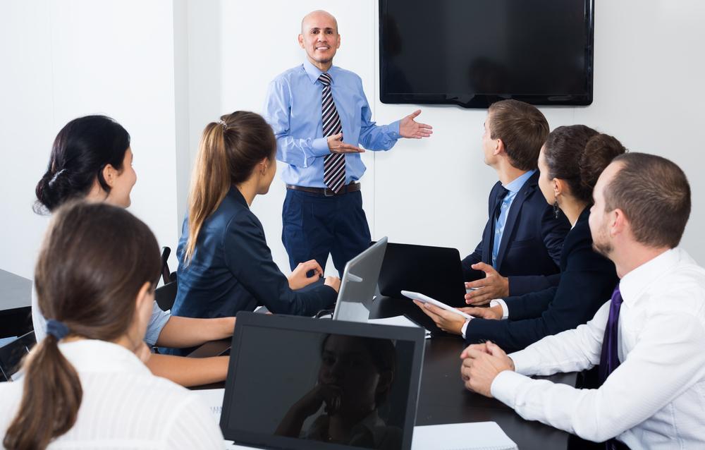 team-meetings-in-room-Jobfitts